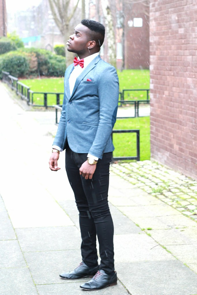 Street Style Men trend: Bow Tie, Bow Tie trend, how to wear a bow tie, Swizz Beatz, Chris Brown, Justin Timberlake and Andre 3000, V shape sweater or cardigan, men trends, latest men trend, latest men trends, V shape sweater or cardigan, a waist coat, leather jacket, suspenders
