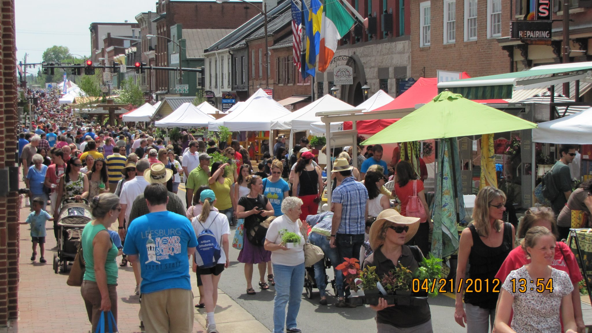 One of the Best Spring Street Floral  Festival - Leesburg, Virginia