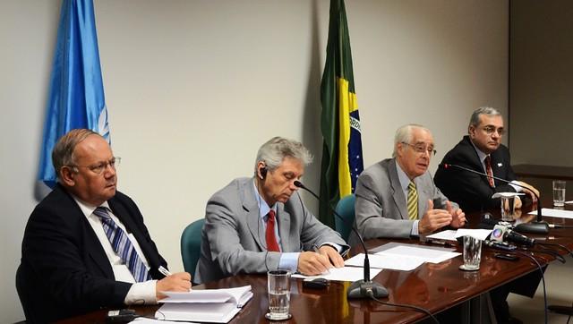 À mesa, da esquerda pra direita: Miguel de la Lama, Secretário do Grupo de Trabalho sobre Detenção Arbitrária; Vladimir Tochilovsky (da Ucrânia), membro do grupo; Roberto Garretón (do Chile), membro do grupo; e Jorge Chediek, Coordenador Residente do Sistema Nações Unidas no Brasil e Representante Residente do PNUD. Foto: UNODC.
