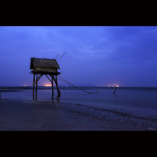 lighting longexposure blue light sea beach landscape dawn twilight onthebeach atmosphere bluesky vietnam deepblue beforesunrise beforedawn abigfave vietnameselandscape coth5 blinkagain bestofblinkwinners blinksuperstars bestofsuperstars blink4gallery