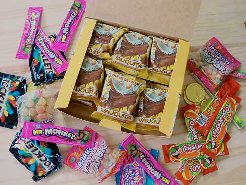 Package unboxing: sweets, candy, alfajores, golosinas