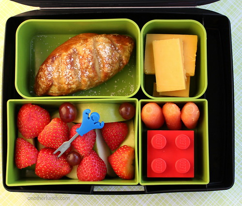 Laptop Lunches soft pretzel bento