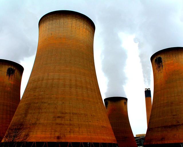 Torres de refrigeración de la Drax Power Station. Yorkshire del Norte. Inglaterra.