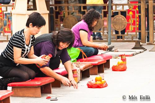 Oración en el templo de Wong Tai Sin, Hong Kong