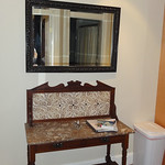 Entryway stand
