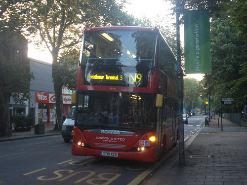 London United SP190 on Route N9