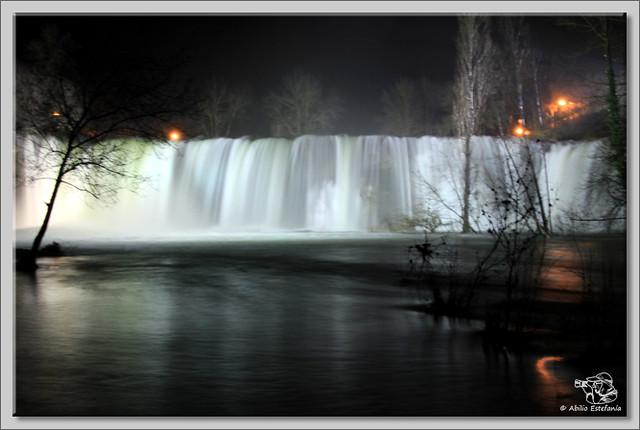 4 Cascada El Peñón de noche