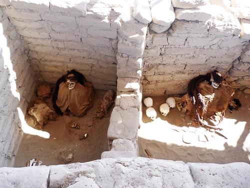 Foto de una tumba en el Cementerio de Chauchilla