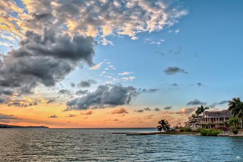 sunset sea sky sun mer seascape beach clouds palms landscape island soleil sand nikon coucher sable ile ciel jamaica nikkor nuages plage hdr palmiers montegobay 2470mm 9xp jamaïque d700 9raw paroissedesaintjames