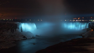 Niagara Falls Night Time (Long Exposure)
