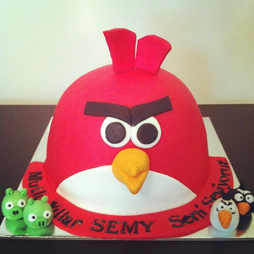 #angrybirds#birthdaycake #sugarart #sugarpaste by l'atelier de ronitte