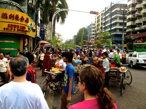 Traffic, palms, Lina, cars, buses and Monks