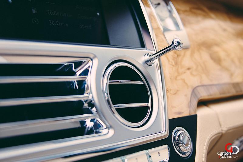 2013 Rolls Royce Ghost ac vent control.jpg
