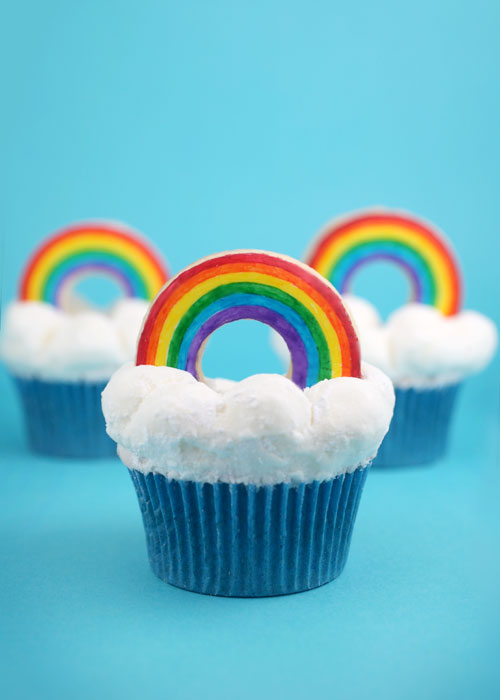 rainbow cupcakes, cupcakes with sprinkles inside