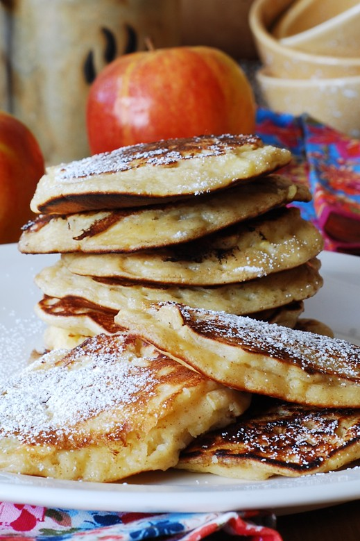Apple cinnamon pancakes, pancakes for breakfast, pancake fritters, apple fritters, pancakes with fruit, fall recipes, fall treats