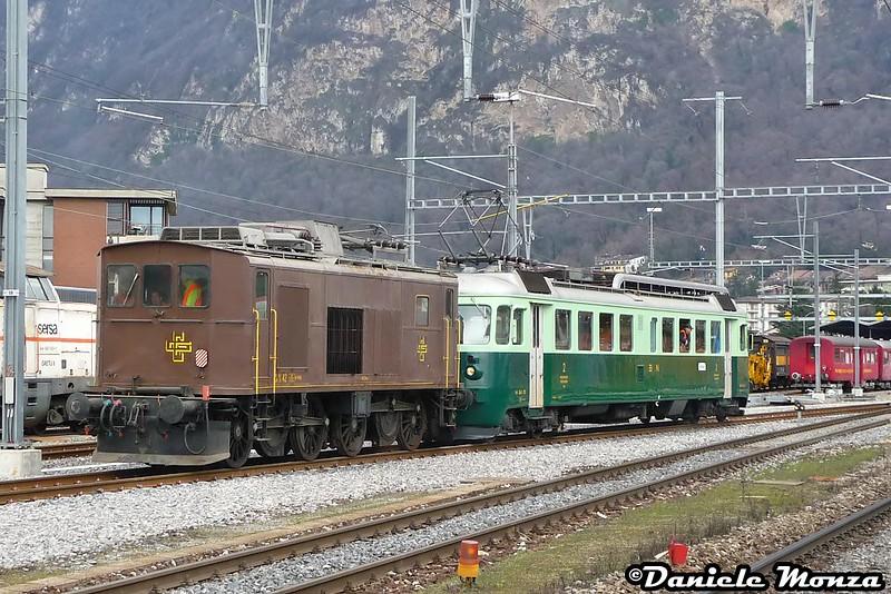 Ce 4/4 trainato dalla Be4/4 761 in partenza