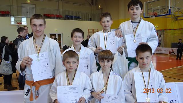 Iš kairės pirmoje eilėje Vytautas Petreikis, Justas Razmus, Alenas Miklovas aukščiau  G.Gaučys, O.Urbonas M.Narkus ir N.Kuzavas