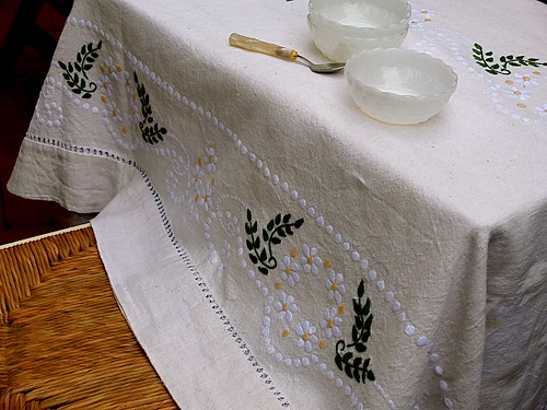 Daisy tablecloth - my treasure