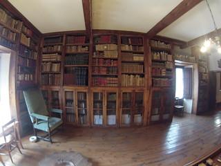 Completísima biblioteca en el museo de Andorra Andorra, #experiencia mucho más que nieve - 8579971361 4fb7e7b104 n - Andorra, #experiencia mucho más que nieve
