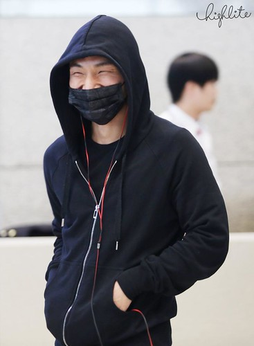 Big Bang - Incheon Airport - 10apr2015 - Dae Sung - High Lite - 05