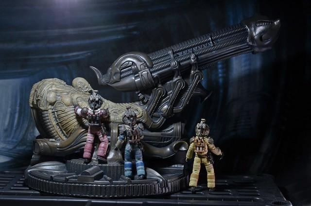 留下無限謎團的化石巨人!NECA - 化石化太空騎師 Alien – Foam Replica – Fossilized Space Jockey