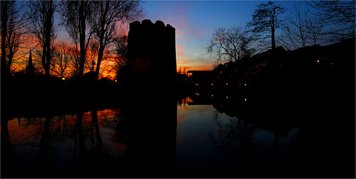 old city longexposure trees sunset reflection tower silhouette night river tripod medieval norwich middleages manfrotto sigma1020mm wensum cowtower jammo canoneos60d medievalnorwich