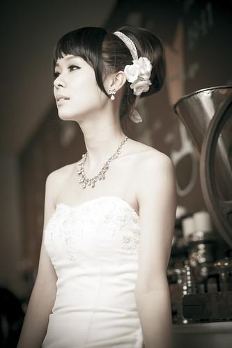 [フリー画像素材] 人物, 女性 - アジア, ウエディングドレス ID:201301221800