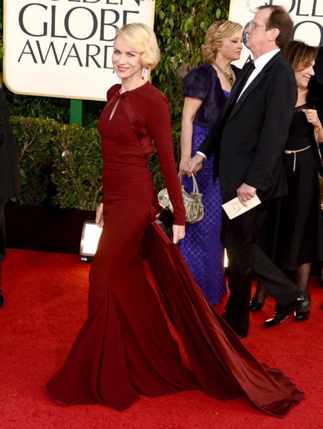 2 Naomi Watts 70th Golden Globe Awards ceremony - LA - gettyimages low res ferragamo clutch