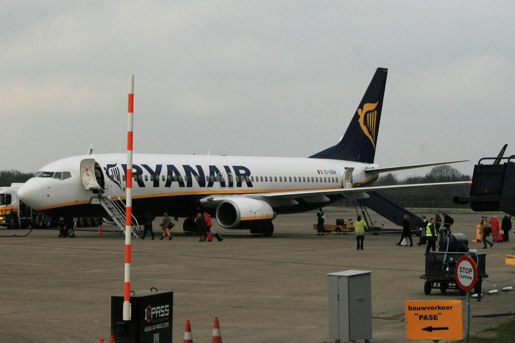 EI-EBW - B738 - Ryanair