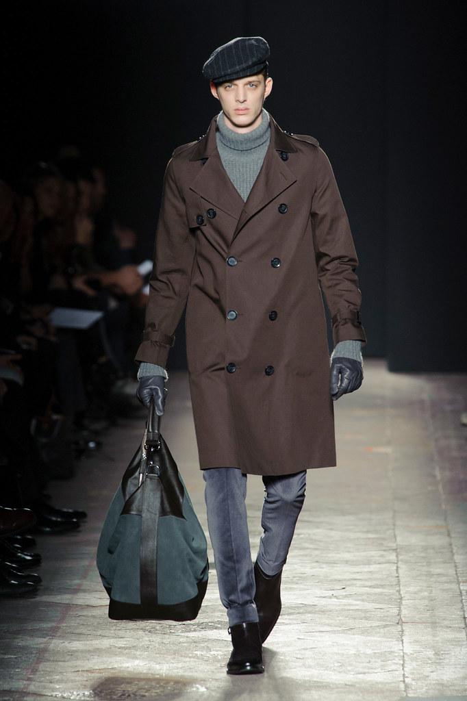 FW13 Milan Daks016_Benoni Loos(fashionising.com)