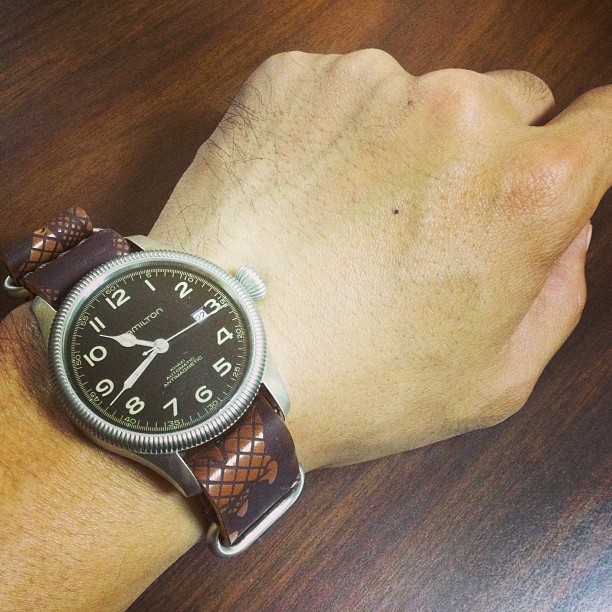 HELLBRAND LEATHERWORKS Shell Cordovan NATO Watch Strap