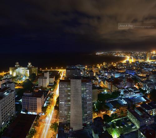 Invierno Habanero... serie Golden Havana by Rey Cuba