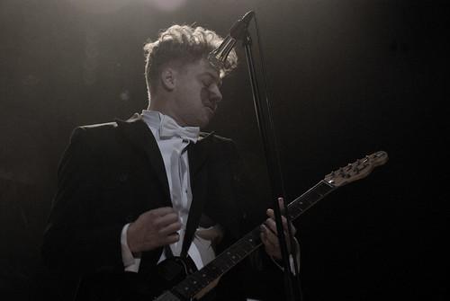 En man och hans gitarr. Nicolaus Arson i Flygeln 26 januari 2013.