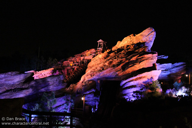 Grizzly Gulch by night