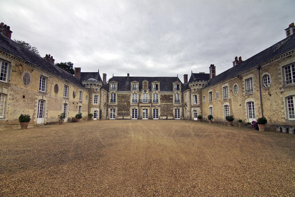 Château de la Lorie (La Chapelle-sur-Oudon) by storvandre