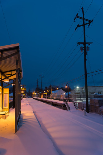morning winter snow newyork storm sunrise town twilight village nemo platform longisland trainstation february blizzard lirr locustvalley longislandrailroad 2013