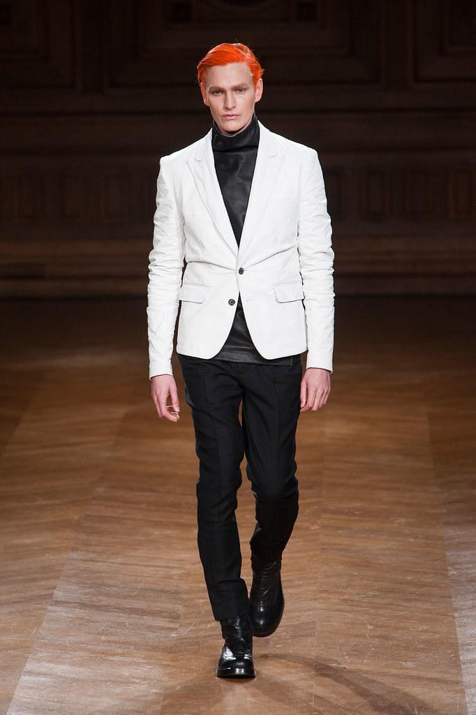 Gerhard Freidl3334_FW13 Paris Songzio(fashionising.com)