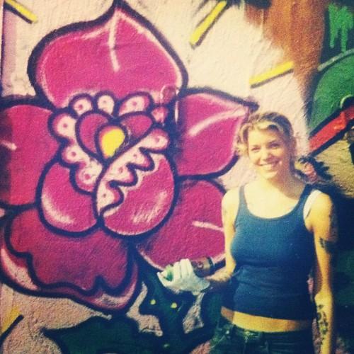 #tillbakablickstorsdag Målade på en laglig vägg i Nyköping (?) och älskade det. Missa inte Lena Phs konstserie på SVT där Blue medverkar!
