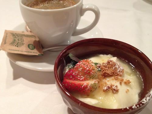 牛乳プリンとコーヒー@ラ・パスタイオーネ
