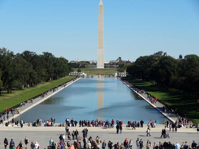 washington-monument-reflect