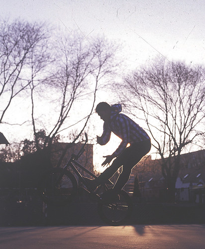 sunset film bicycle analog canon eos 50mm iso100 bmx hungary kodak f18 50e ef kp barwhip