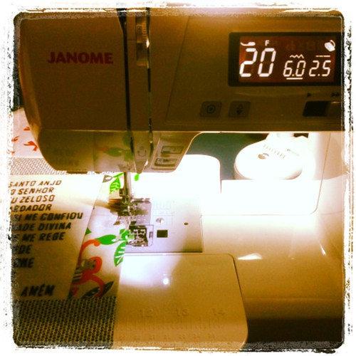 Tão feliz com minha máquina nova! by Joana Joaninha
