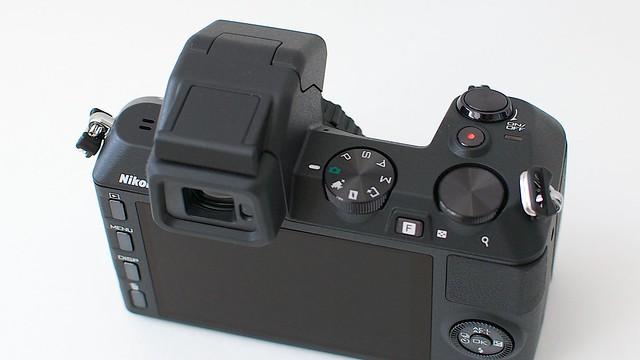 Nikon 1 V2背面