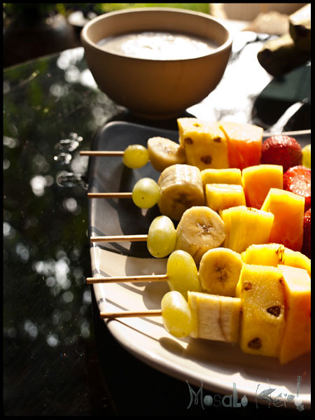 Fruit skewers and Coconut Joghurt dip