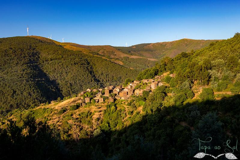 Talasnal – uma aldeia construída em Xisto