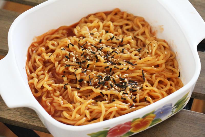 泡麵,即食麵,韓國拉麵,韓國麵,辣拉麵,食記,試吃,零食,宵夜,Samyang,Bokkeummyeon,方便麵
