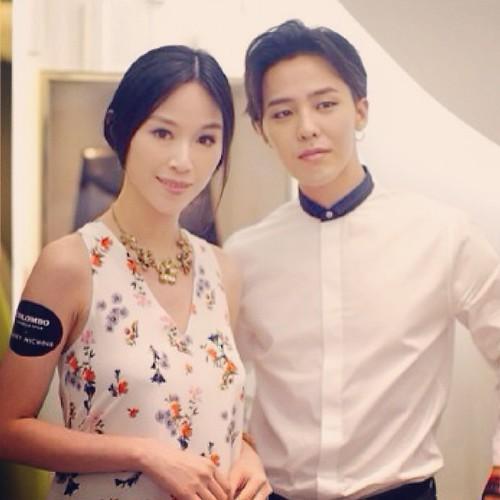 G-Dragon_HarveyNichols-COLOMBO_VIA_DELLA_SPIGA-HongKong-20140806 (45)