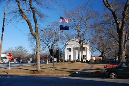 town square, Pendleton SC (by: Let Ideas Compete, creative commons)
