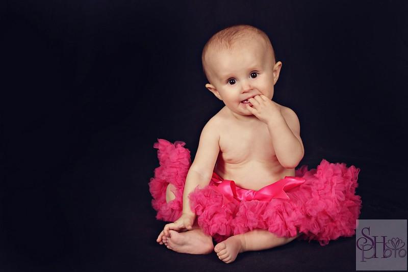 Calgary Baby Photographer Shannon Hilton