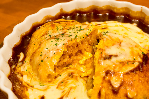 把切開了的飯混合融化了的芝士和肉一起吃, 口感滿分!
